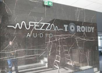 szyld Fezz Audio Toroidy naścianie 2