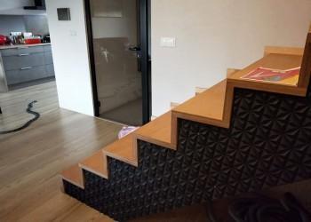 boczne wykończenie schodów wmieszakniu