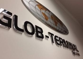 szyld Globo-Terminal naścianie
